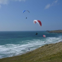 perranporth-hang-glider-takeoff